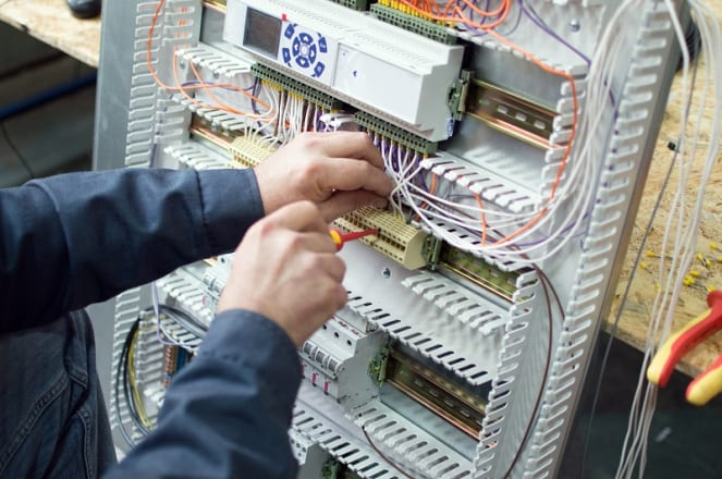 3 Times You Should Call a Commercial Electrician